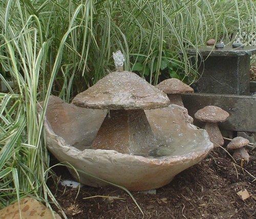 Garden Fountain Cast Stone Mushroom Cascade Concrete Patio Outdoor Rock Garden Water Feature